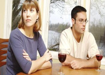 Amikor véget ér az elköteleződni képtelen nő kapcsolata