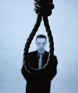 A tapasztalatok szerint a férfiakban erősebb az önpusztító hajlam, mindenütt több férfi lesz öngyilkos, mint amennyi nő.